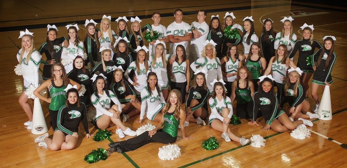 2016-17 Coed Cheer Team Photo