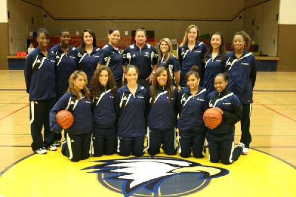 2010-11 Women's Basketball Team Photo