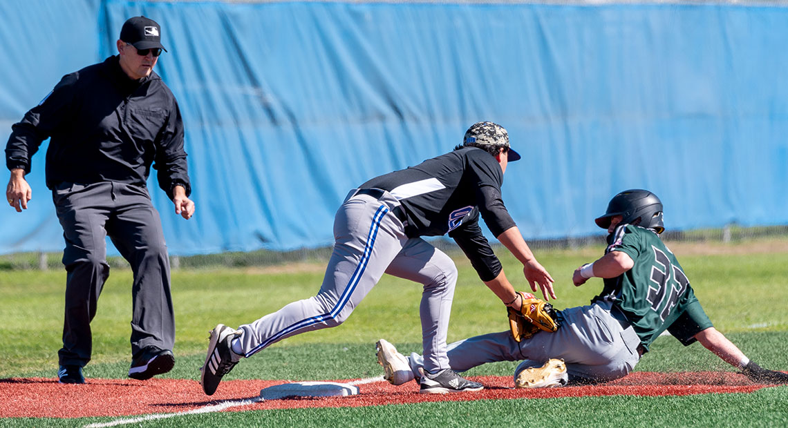 Photo for OLLU baseball drops first game of RRAC Tournament to UHV