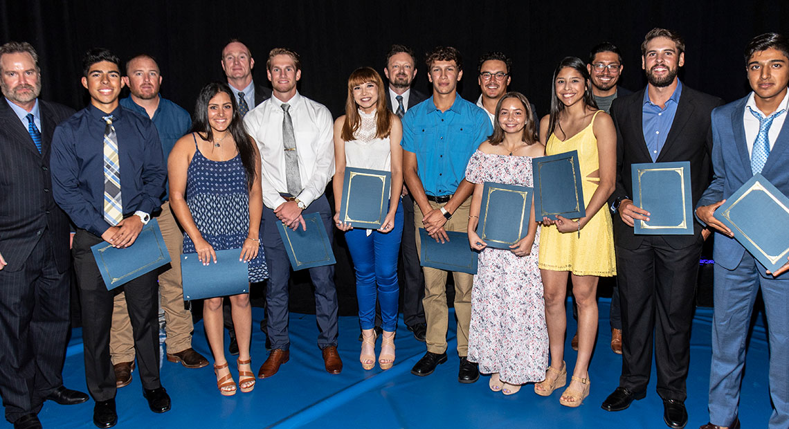 Photo for 10 OLLU student-athletes receive scholarships from the Hispanic Sports Foundation for Education 12th Annual Banquet