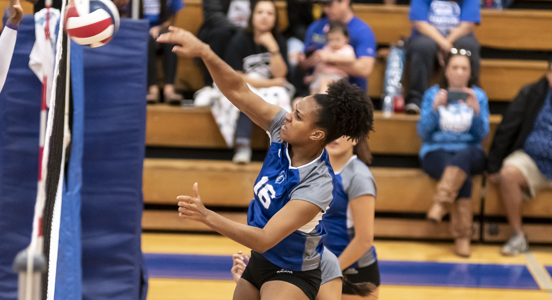 Bailei Hubbard tallied 13 kills for the Saints.