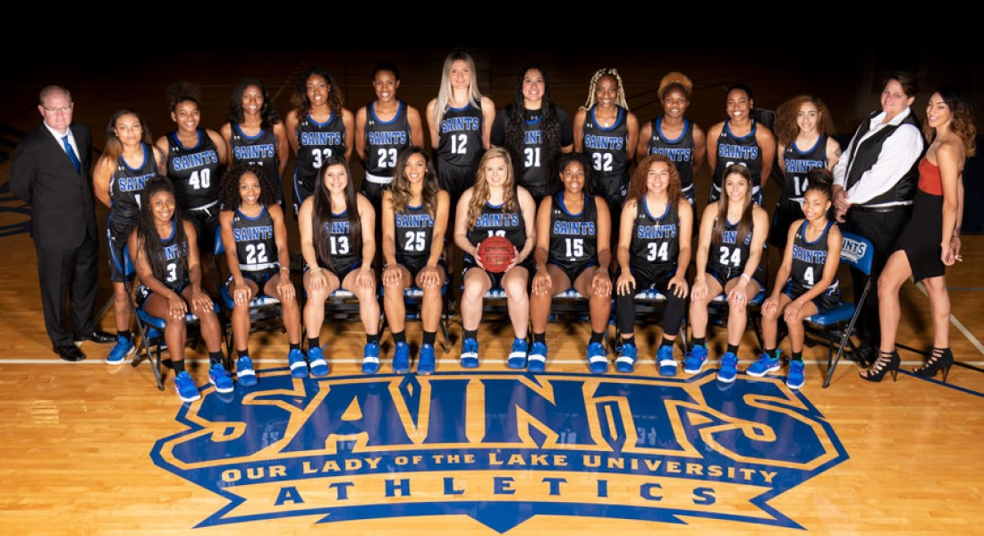 2018-19 Women's Basketball Team Photo