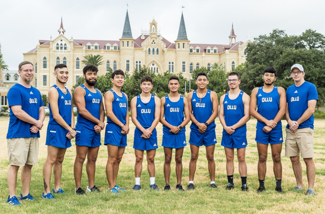 2019 Men's Cross-Country Team Photo