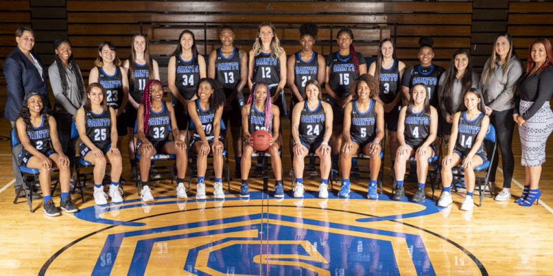 2019-20 Women's Basketball Team Photo