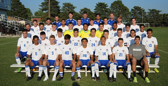 2017 Men's Soccer Rosters Team Photo