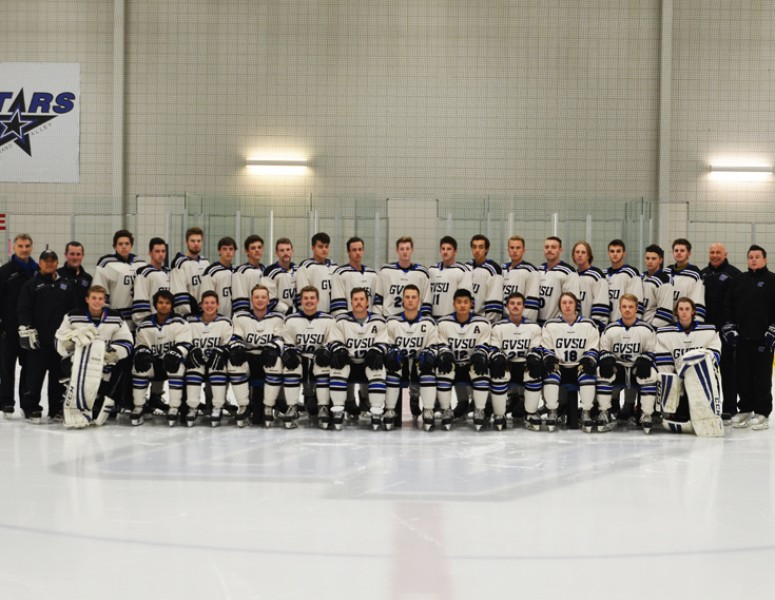 2016-17 Men's Ice Hockey (D3) Team Photo