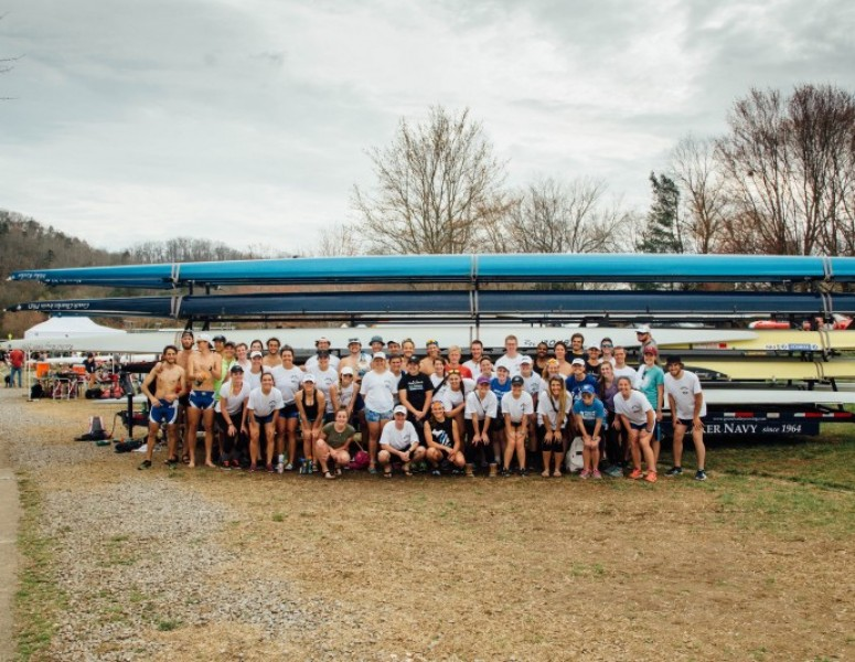 2016-17 Men's Rowing Team Photo