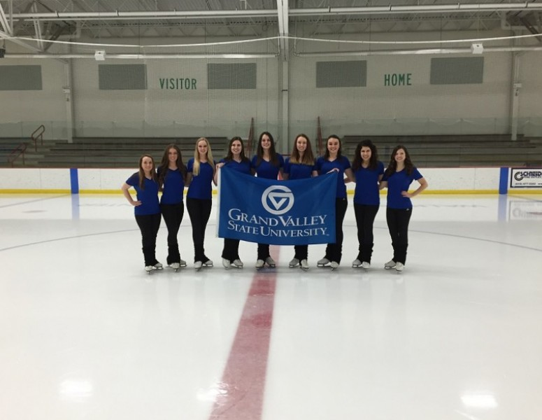 2016-17 Women's Synchronized Skating Team Photo
