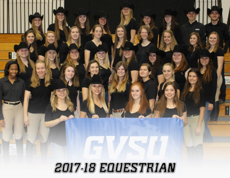 2017-18 Coed Equestrian Team Photo