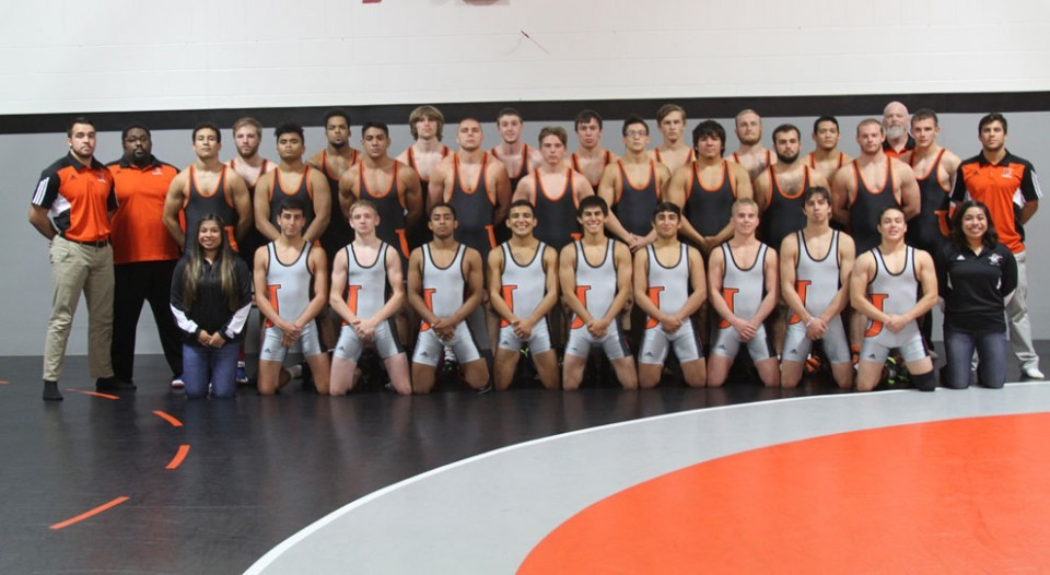 2016-17 Men's Wrestling Team Photo