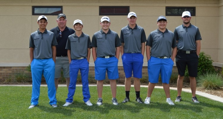 Photo for The Pioneer Boy's Golf Team Finishes Regionals 5 Strokes Away From State