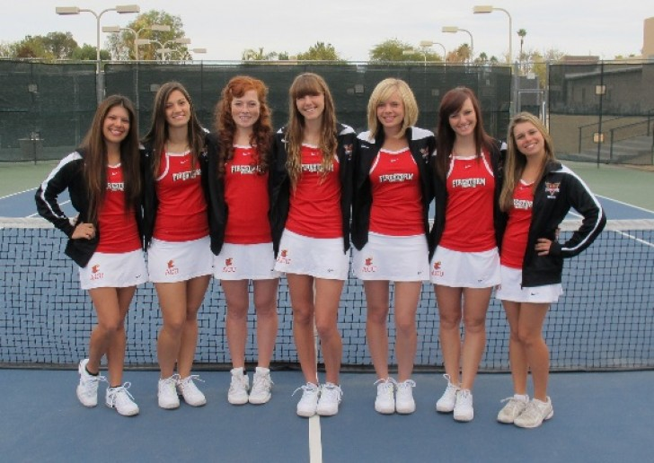 2013 Women's Tennis Rosters Team Photo