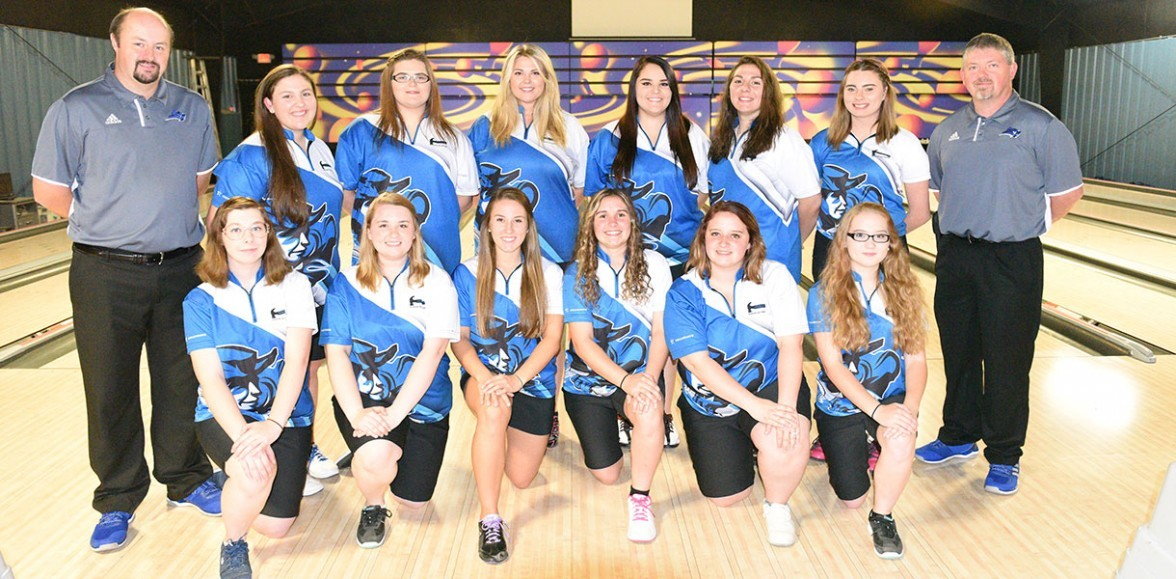 2017-18 Women's Bowling Team Photo