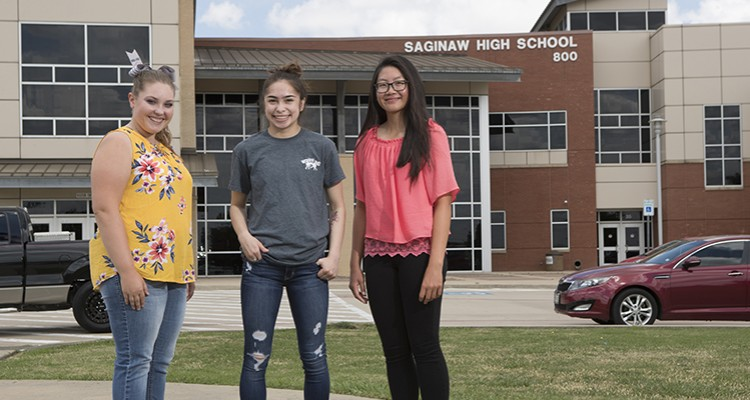 Photo for Three Athletes To Represent Saginaw At The Star-Telegram's Tomlinson Honors!