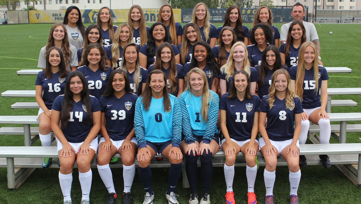 2017 Women's Soccer Team Photo