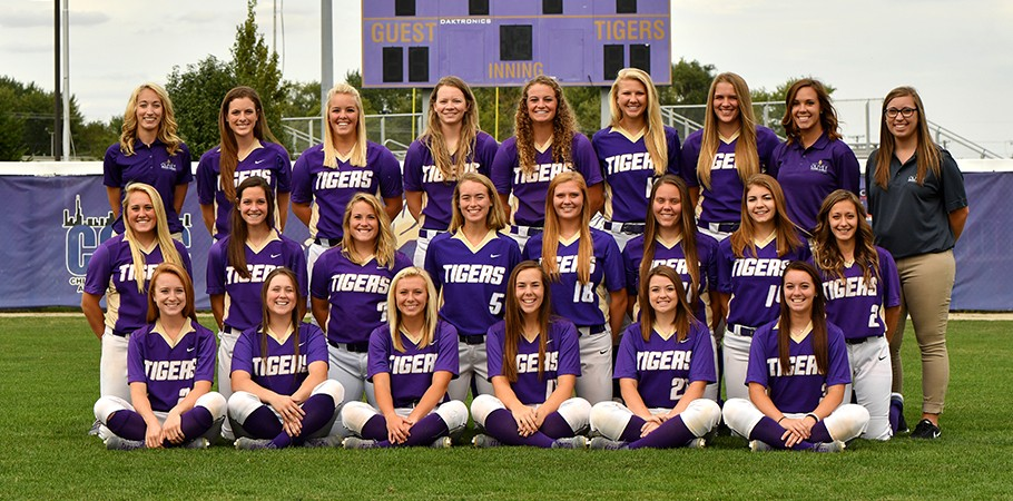2018 Softball Team Photo