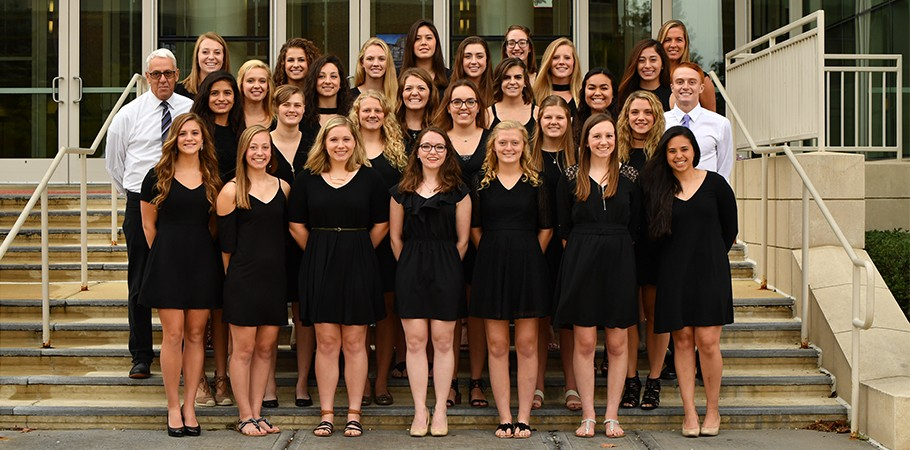 2017-18 Women's Swimming & Diving Team Photo