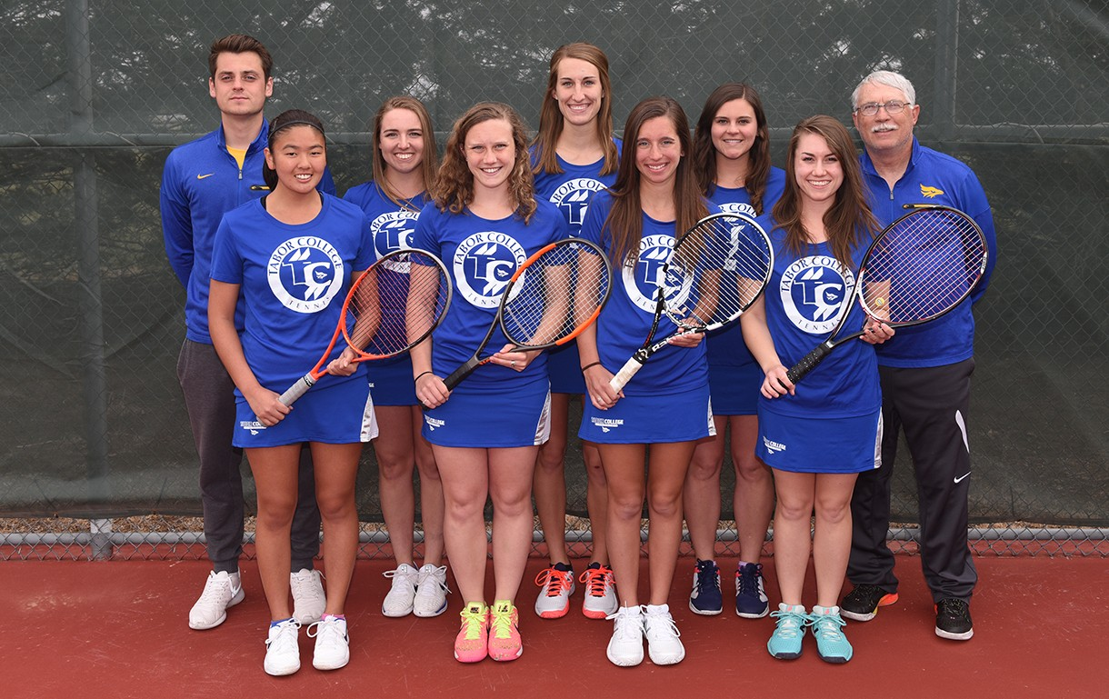 2018 Women's Tennis Team Photo