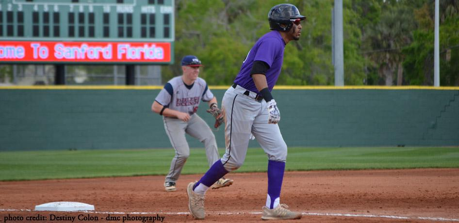 Baseball Falls To Conference Leader Spalding University Iowa Wesleyan University Athletics