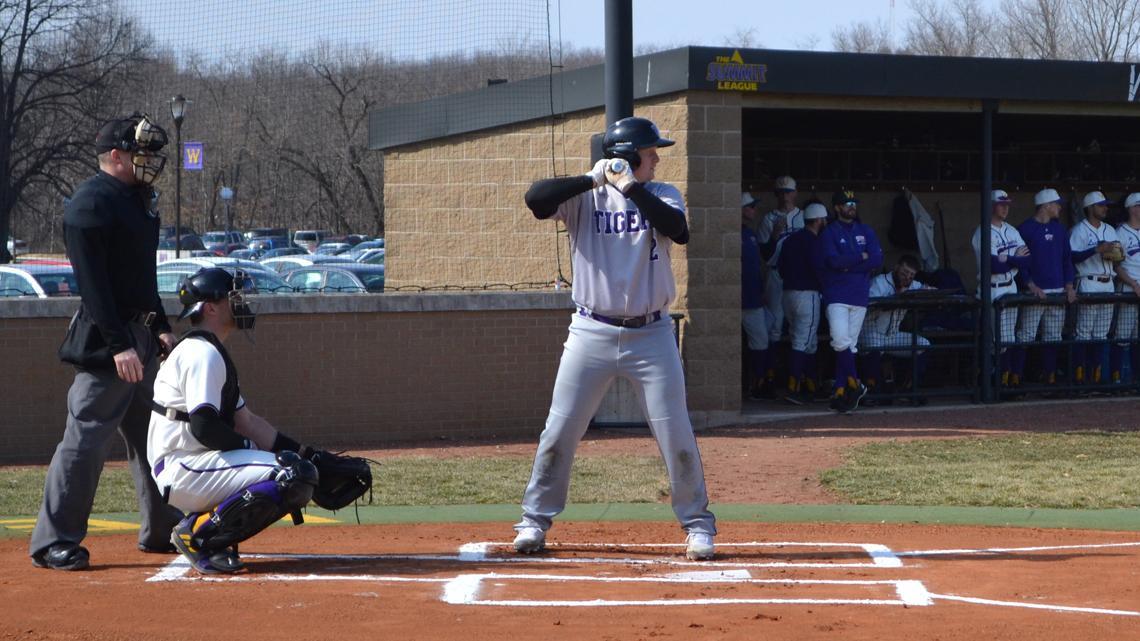 Offense Comes Alive As Tigers Sweep Highlanders Iowa Wesleyan University Athletics