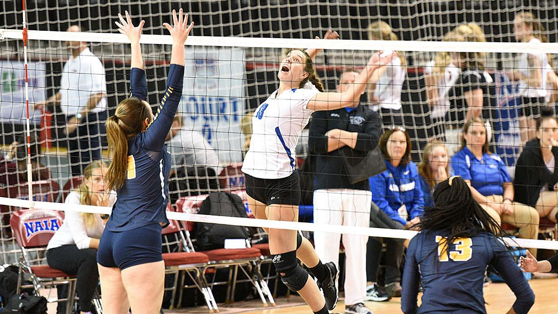 Top-ranked Lindsey Wilson Volleyball Sweeps Texas Wesleyan in NAIA