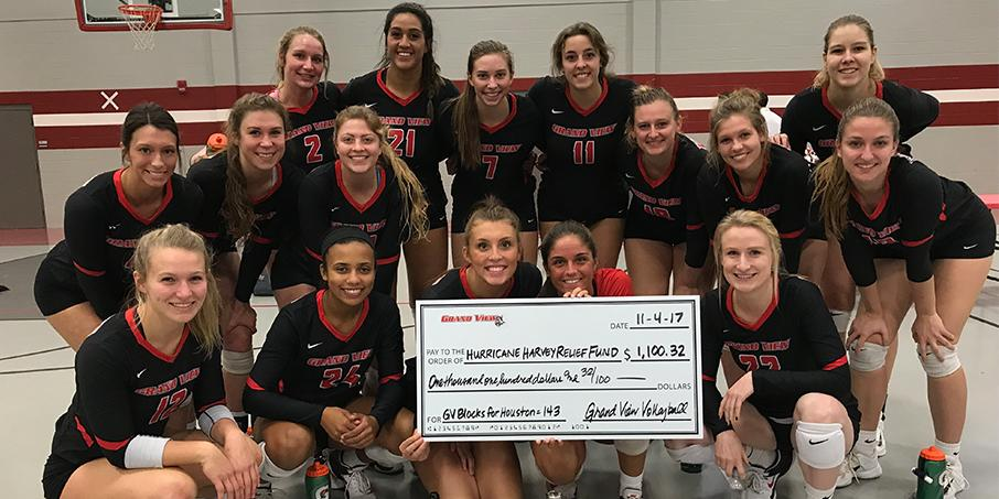 Grand View Women S Volleyball Team Blocks For A Good Cause Grand View Athletics