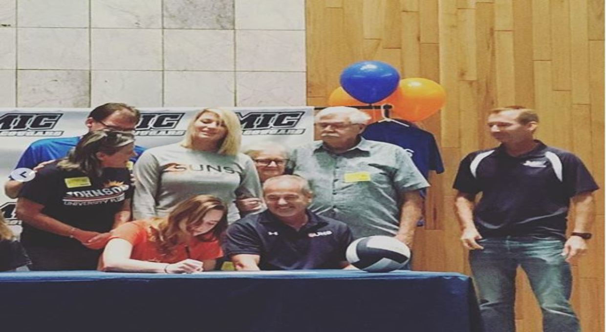 affd7615b008 Logan Johnson Signs Emily Weekley and Coach Bill O Boyle on Signing Day  Photo for Suns ...