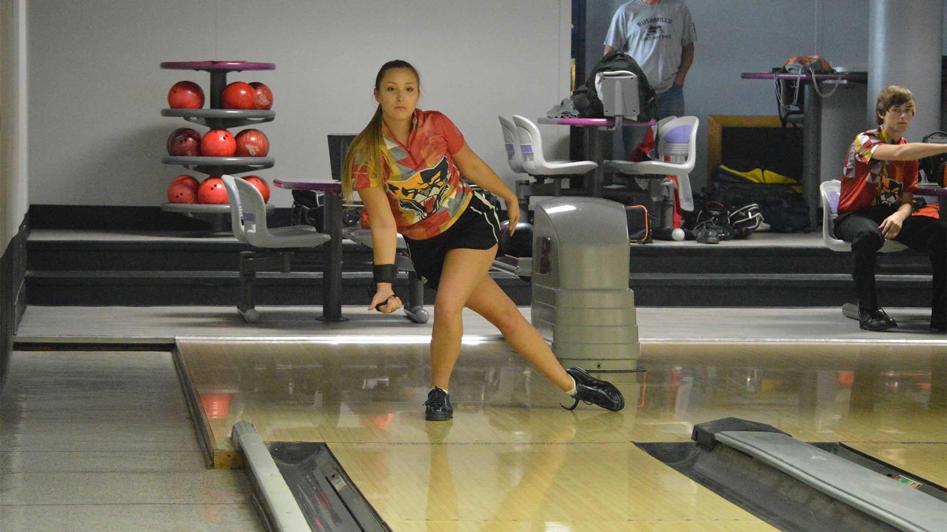 2020-21 Women's Bowling   Saint Xavier University Athletics